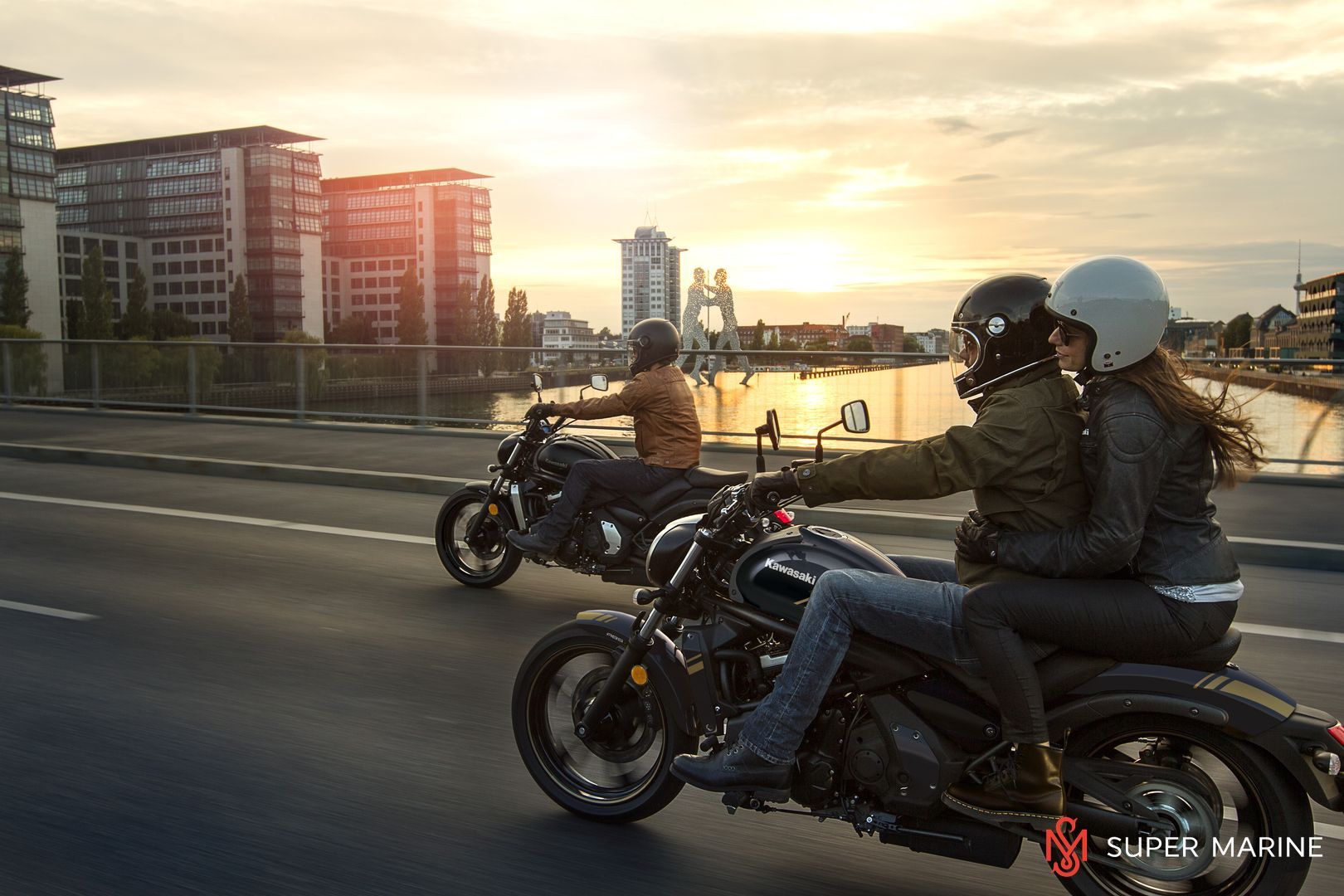 Мотоцикл Kawasaki Vulcan S ABS Черно-Золотистый 2020 - 8