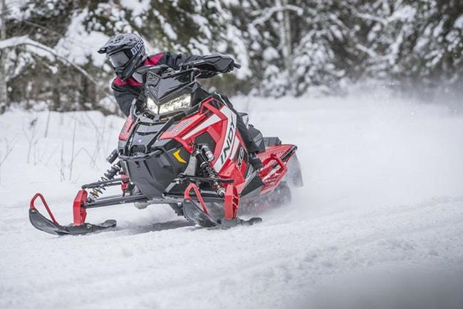 Спортивные снегоходы Polaris