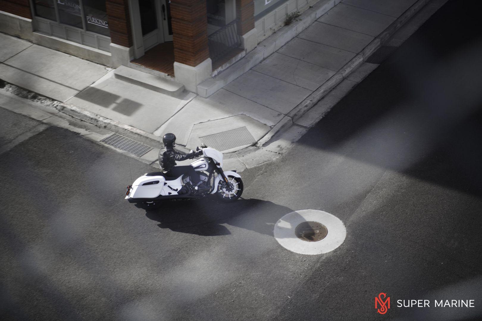 Мотоцикл Indian Chieftain Dark Horse Bronze Smoke 2019 - 15